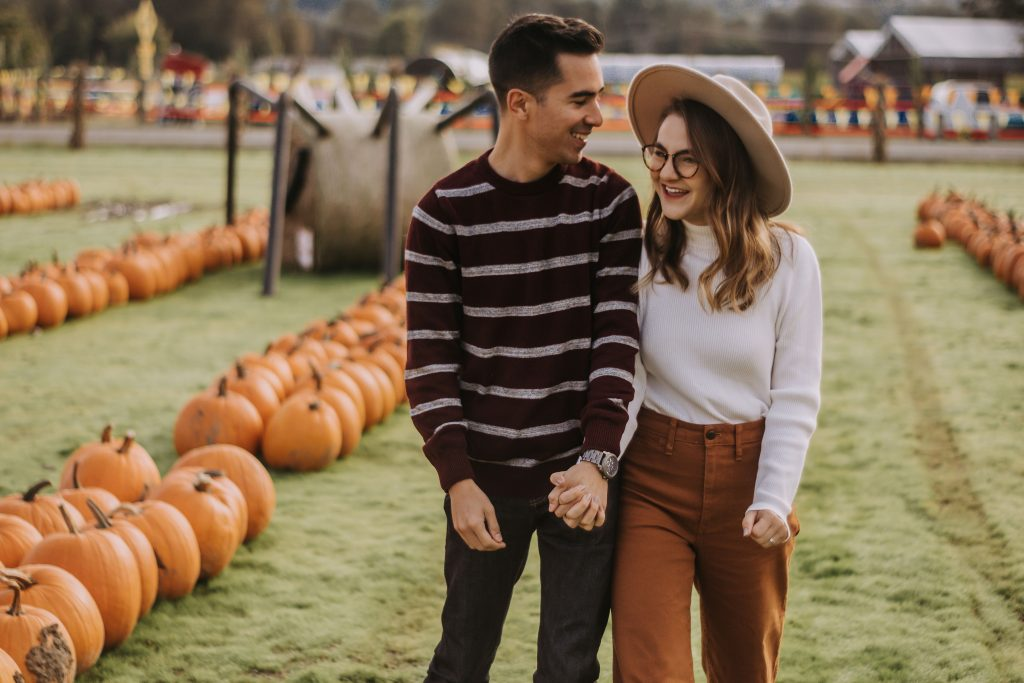 Pumpkin Patch Photoshoot Ideas for Couples