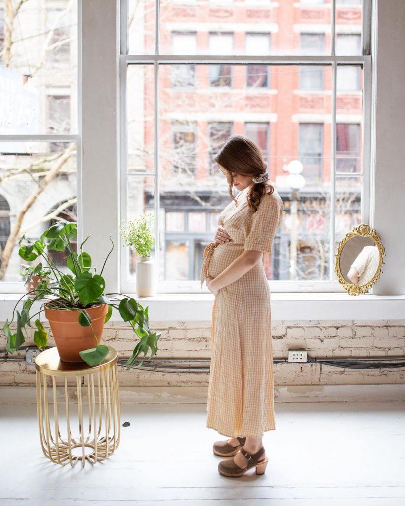 Pregnancy Photography | Image by Shella Borga, Edited by Megan Acuna