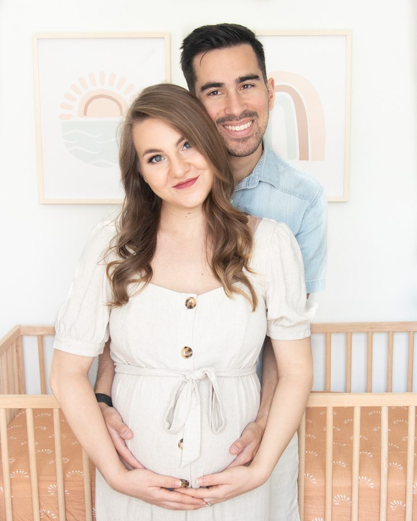 How to Have a Successful DIY Maternity Photoshoot